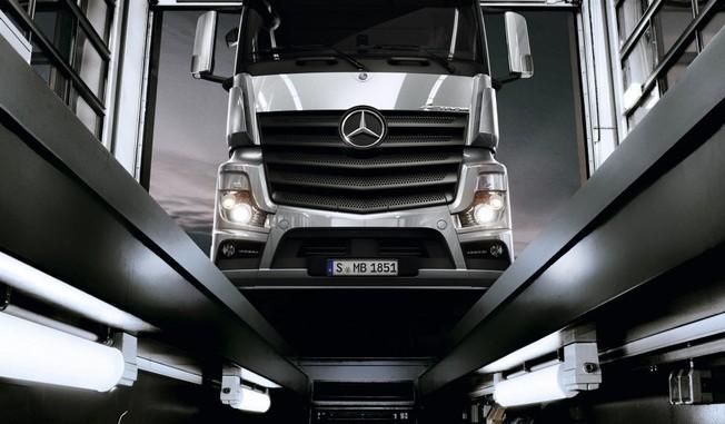 Mercedes-Benz führt digitales Servicebuch für Lkw ein. © Daimler