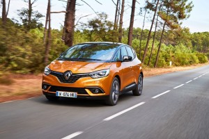 Renault Scénic kommt auch als Hybrid. © spothits/Renault