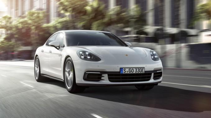 Paris 2016: Porsche Panamera 4 E-Hybrid stemmt 700 Newtonmeter. © spothits/Porsche