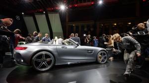 Paris 2016: Mercedes-AMG GT Roadster in zweifacher Ausführung. © spothits/Daimler