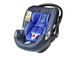 ADAC testet Kindersitze: Drei fallen durch. © spothits/ADAC