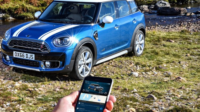Mini Connected wird zum Mobiltätsasssitenten. © spothits/Mini