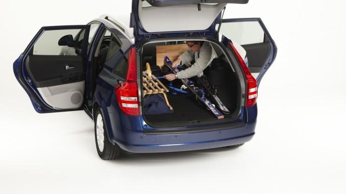 Ratgeber: Gepäck für den Winterurlaub sicher verstauen. © spothits/Auto-Medienportal.Net/ADAC