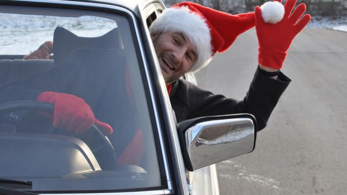 Ratgeber: Verkehrsregeln gelten auch für den Weihnachtsmann. © spothits/Auto-Medienportal.Net/ACE