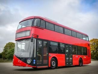 Londons Doppeldecker bekommen Elektro-Hybridantrieb. © spothits/Volvo