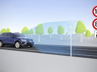 Volkswagen präsentiert neue Verkehrszeichenerkennung. © spothits/Auto-Medienportal.net/Volkswagen