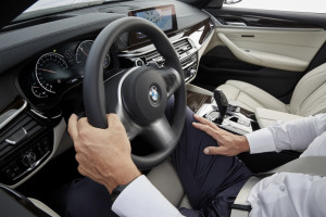 "BMW 5er ist ""Connected Car 2016"". © spothits/BMW"