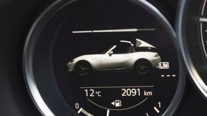 Mazda MX-5 RF. spothits/ampnet/Mazda