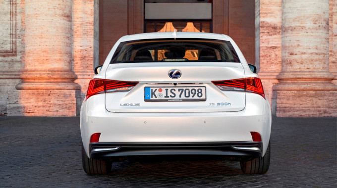 Lexus IS 300h. Foto: spothits/ampnet/Lexus