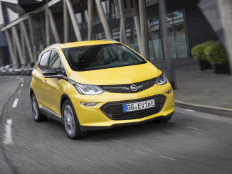 Der Paul-Pietsch-Preis geht an den Opel Ampera-e. Foto: spothits/ampnet/Opel