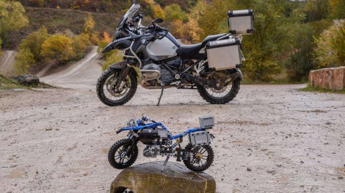 Lego Bausatz: BMW R 1200 GS und Concept Hover Ride. Foto: spothits/BMW