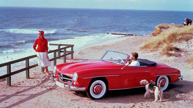 Mercedes-Benz 190 SL (W 121, 1955 bis 1963). Zeitgenössisches Werbefoto aus den 1950er-Jahren auf der Insel Sylt. Foto: spothits/ampnet/Daimler