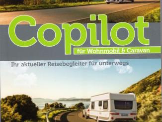 """Taschenbuch """"Copilot für Wohnmobil und Caravan"""" des DCHV. Foto: spothits/ampnet/DCHV"""