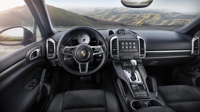 Porsche Cayenne S Platinum Edition. Foto: spothits/ampnet/Porsche