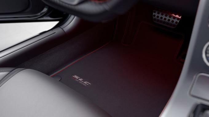 Mercedes-Benz SLC Red Art Edition. Foto: spothits/ampnet/Daimler