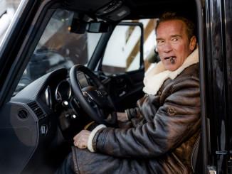 Arnold Schwarzenegger im Mercedes-Benz G-Klasse von Kreisel Electric. Foto: spothits/Kreisel Electric/Martin Pröll