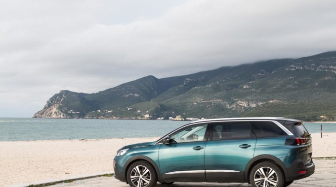 Peugeot 5008: Neues siebensitziges SUV der Kompaktklasse. Foto: spothits/Peugeot