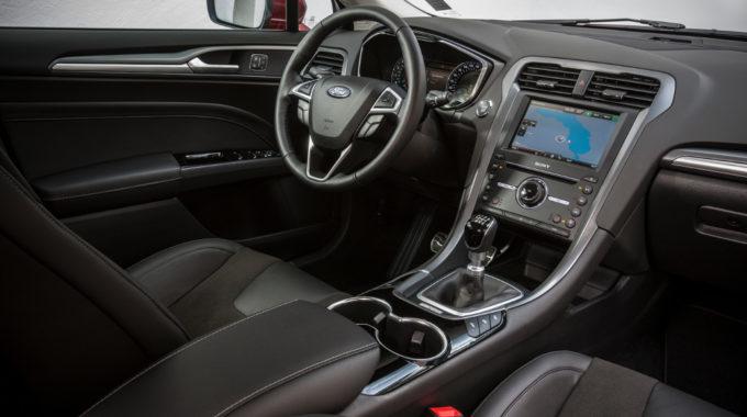Test Ford Mondeo VII: Fließheck-Limousine mit viel Raum. Foto: spothits/Ford