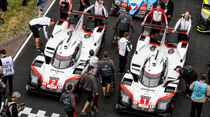 Porsche LMP Team: Timo Bernhard, Earl Bamber, Brendon Hartley (Porsche 919 Hybrid #2); Neel Jani, Nick Tandy, Andre Lotterer (Porsche 919 Hybrid #1). Foto: spothits/Porsche