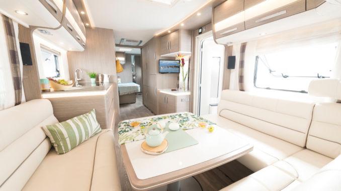 dethleffs professional 2018 caravan f r den dauereinsatz spothits. Black Bedroom Furniture Sets. Home Design Ideas