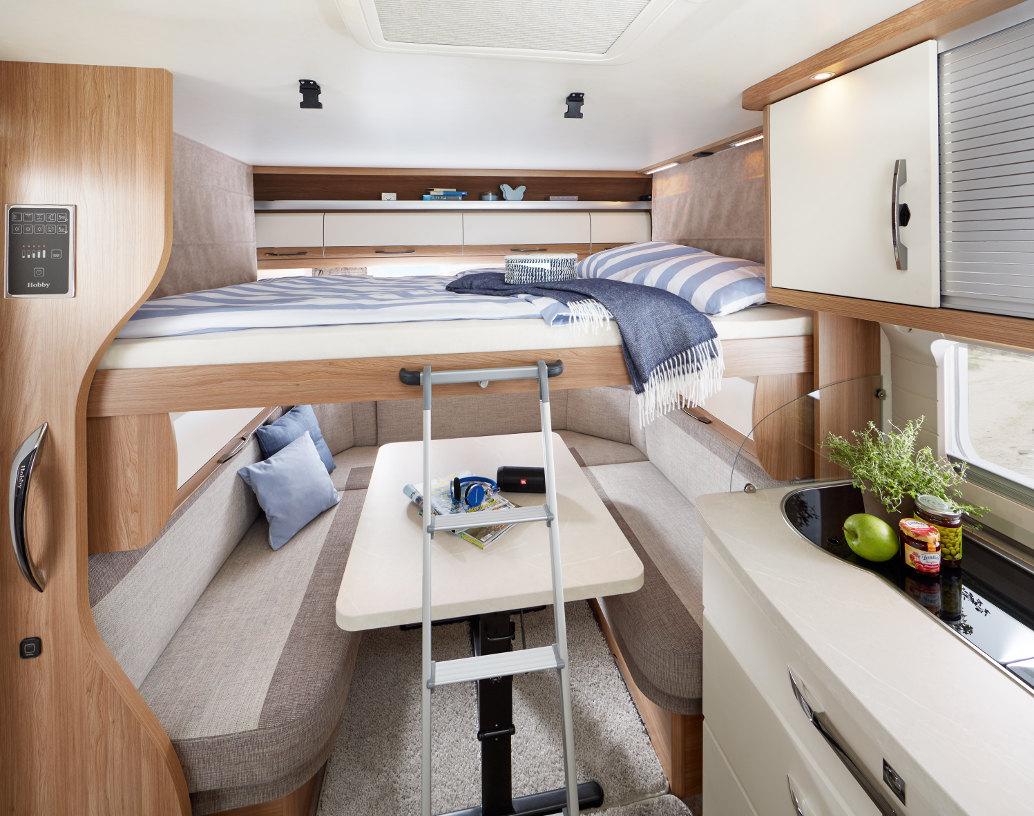 Spiksplinternieuw Hobby De Luxe: Mit Hubbett sieben Schlafplätze | spothits PE-83