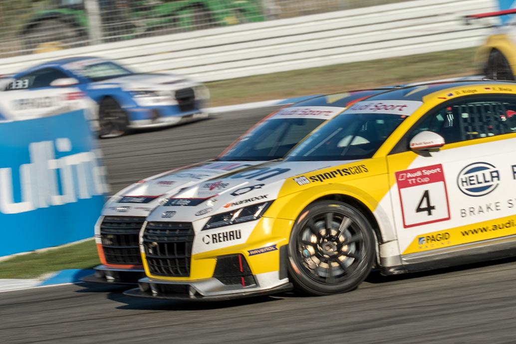 Philip Ellis gewinnt den Audi Sport TT Cup 2017 | spothits