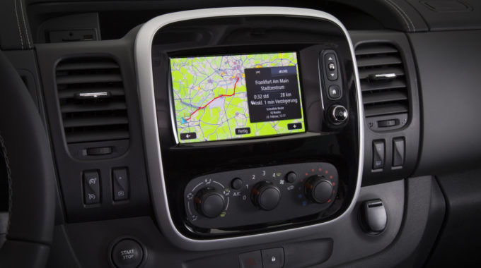 Navi 80 IntelliLink mit Real Time-Verkehrsinformation ist mit Android Auto kompatibel. Foto: spothits/Opel