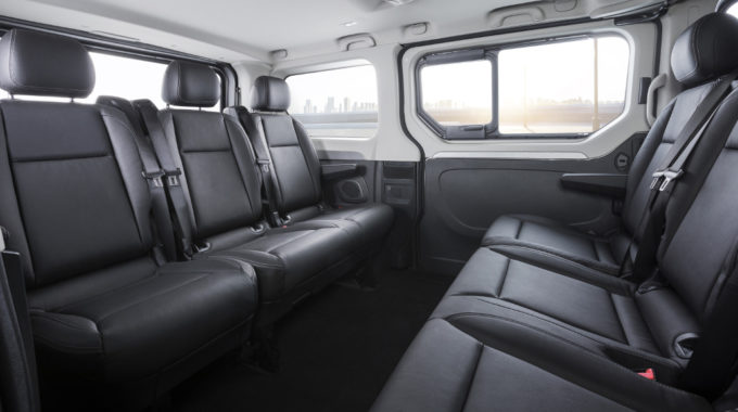 Opel gibt Preise für neuen Vivaro Combi+ und Tourer bekannt. Foto: spothits/Opel