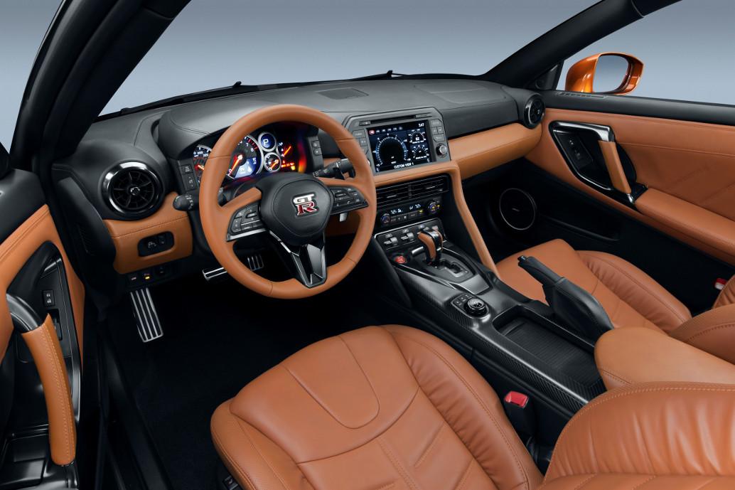 Nissan GT-R B.R.M. Edition, Chronograph V12 Nissan GT-R, Nissan GT-R Sondermodell mit Chronograph