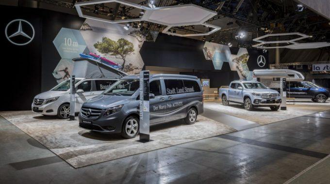 Erste Reisemobilkonzepte auf Mercedes-Benz X-Klasse Basis: Umbaukonzept mit integrierter Systemküche von VanEssa mobilcamping. Foto: spothits/Daimler