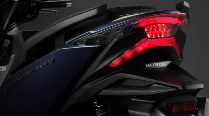 Honda Forza 300: Mittelklasse-Roller startet mit zusätzlicher Ausstattung. Foto: spothits/Honda
