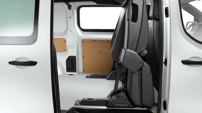 Citroen Jumpy und Peugeot Expert mit klappbarer zweiter Sitzreihe. Foto: spothits/Citroen